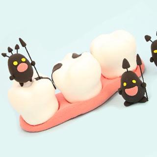 歯間が臭い原因は?歯の隙間のニオイは口臭にもつながる!
